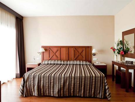 DOUBLE ROOM FOR SINGLE USE GOLF VIEW TRH Paraiso Hotel en Estepona