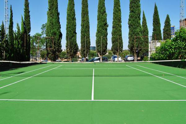 Tennis court trh la motilla business & cultural hotel dos hermanas